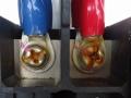 接続箱の端子の焦げ、入力口の未封止、最悪の場合は火災に