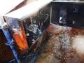 接続箱や電線が炭のように丸焦げ、配管の未固定と地盤沈下で火災に