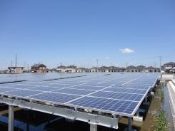 図2●エコタウン内に設置した太陽光発電所(出所:日経BP)
