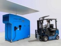 トヨタ、太陽光で水素製造、燃料電池フォークリフトで運用
