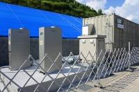 燃料電池とMHタンク、固体高分子型水素製造装置