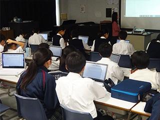 無料ソフトで中学1年生が作曲——獨協埼玉中学高等学校