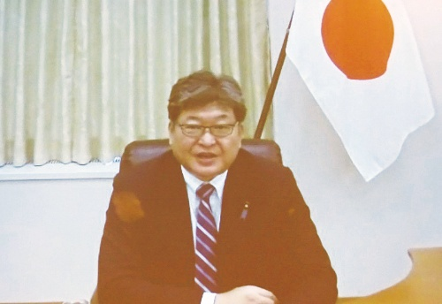オンラインで参加した萩生田光一文部科学大臣は、ICT活用教育の推進を強調した
