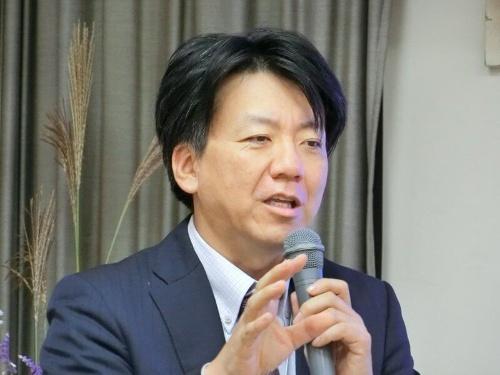 一連の授業指導に当たった和歌山大学大学院 教授の豊田充崇氏が公開授業後に講評した