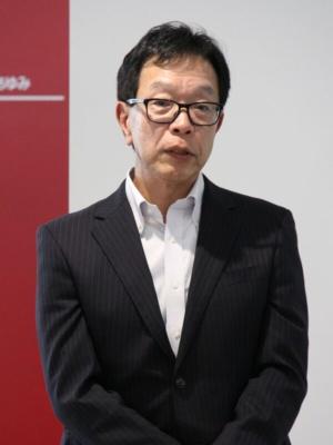 「多様な人が快適に暮らせる近未来社会をFCCLのコンピューティングが支える」とビジョンを語る齋藤社長
