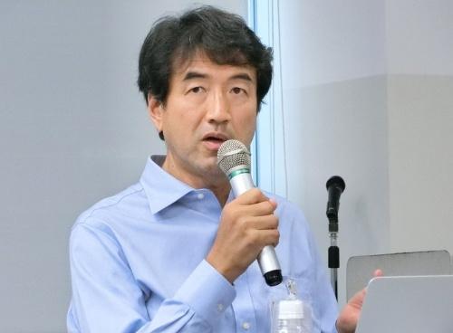 東京芸術大学の活動について説明する古川聖氏。芸術情報センターのセンター長。同センターは、科を超えた創作活動を支援する学内ハブとして機能し、最先端の技術や機材を使った創作に関する講義も開いている