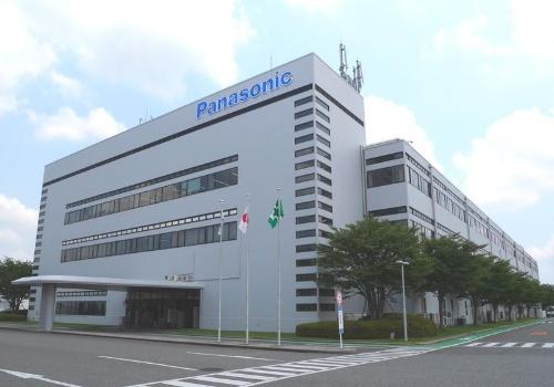 パナソニック神戸工場。部品の基板実装から組み立て、検査、梱包まで一貫生産。コールセンター、修理センターなどの顧客へのアフターケアも担う