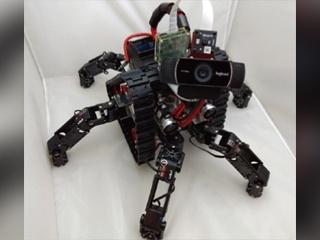 ペットのようにコミュニケーションができる探索ロボット「オメガ」