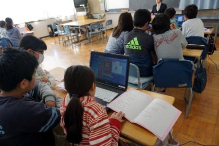 写真8●6年生:算数の授業の様子(その2)
