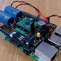 ラズパイで実現した格安CTI、停電時は自動的に電源断
