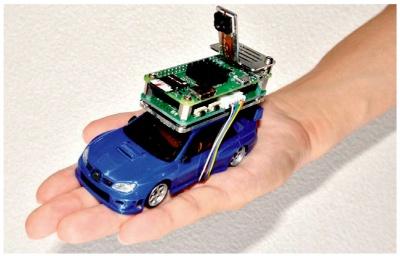 図1 技術賞を受賞した「手のひらサイズ自動運転車」