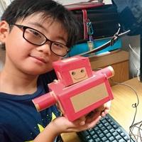 小学生が作ったラズパイロボット、文字や音声で会話