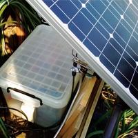 太陽光発電で動く遠隔監視カメラ、1年半の稼働実績