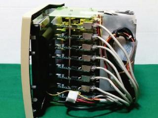 ラズパイ15台を組み込んだ古いMacきょう体のミニスパコン