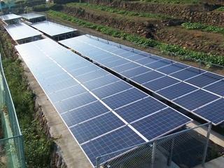 スマートメーターの電力計と通信して太陽光発電所を遠隔モニター