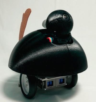 図1 見守りロボット「Cuddle」